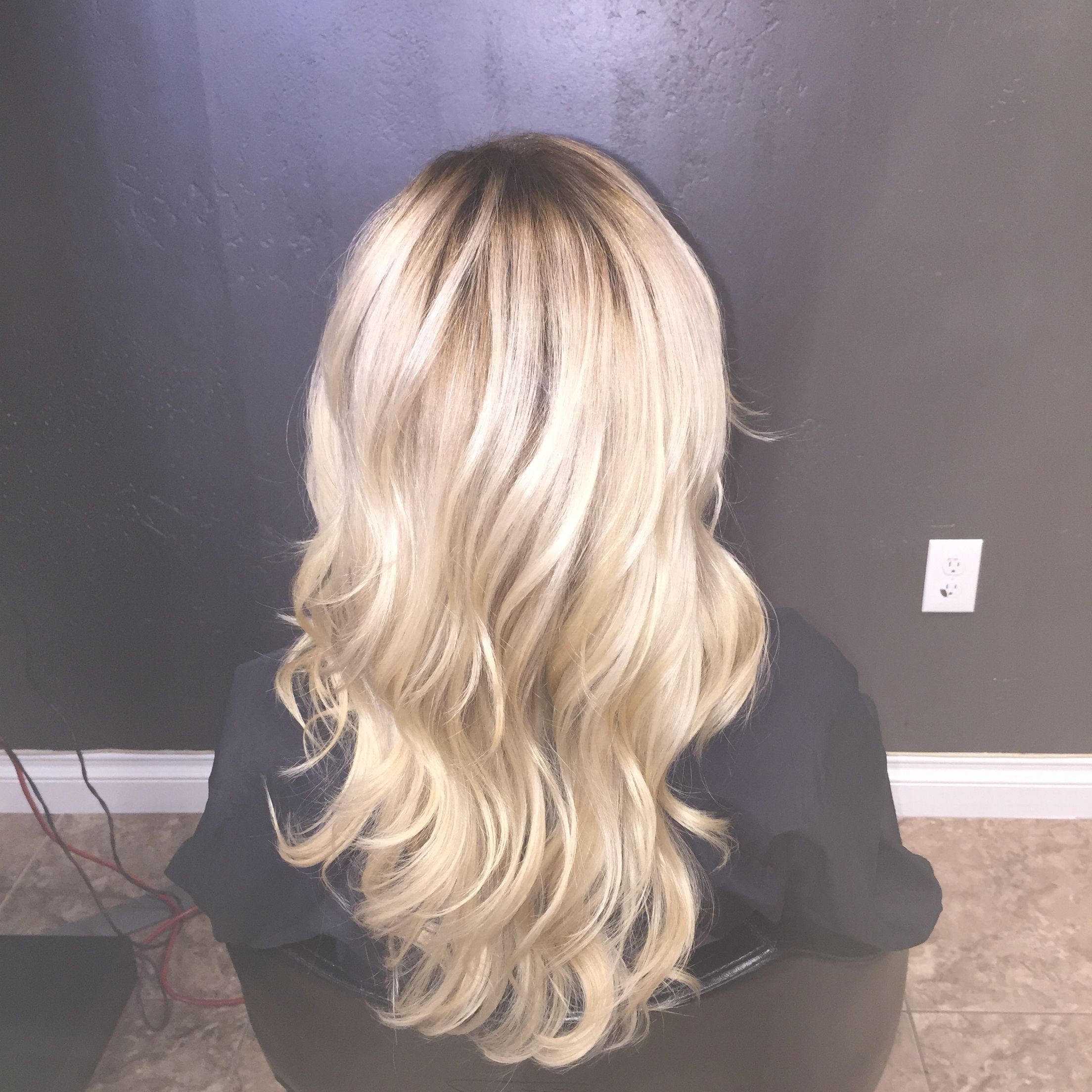 Icy blonde with a shadow root Beautiful Hair Pinterest