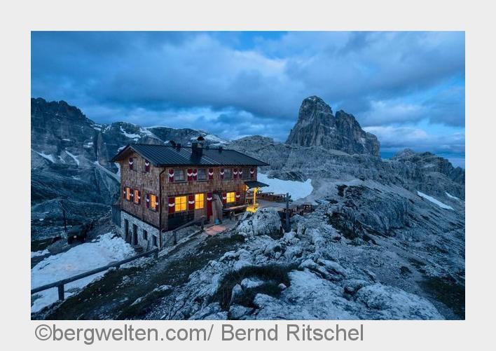 ⚡️Blitzlichter⚡️ Der Weg zum Wirt ist für die meisten von uns ein weiterer Gipfel auf der Wanderung. Wir stellen euch darum unsere 5 Hütten-Highlights in den Alpen vor.