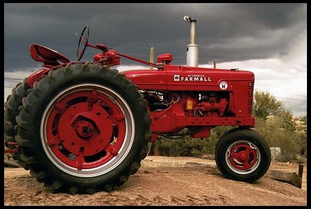 1953 Farmall Super H Mecumgf Tractors Farmall Farmall Tractors