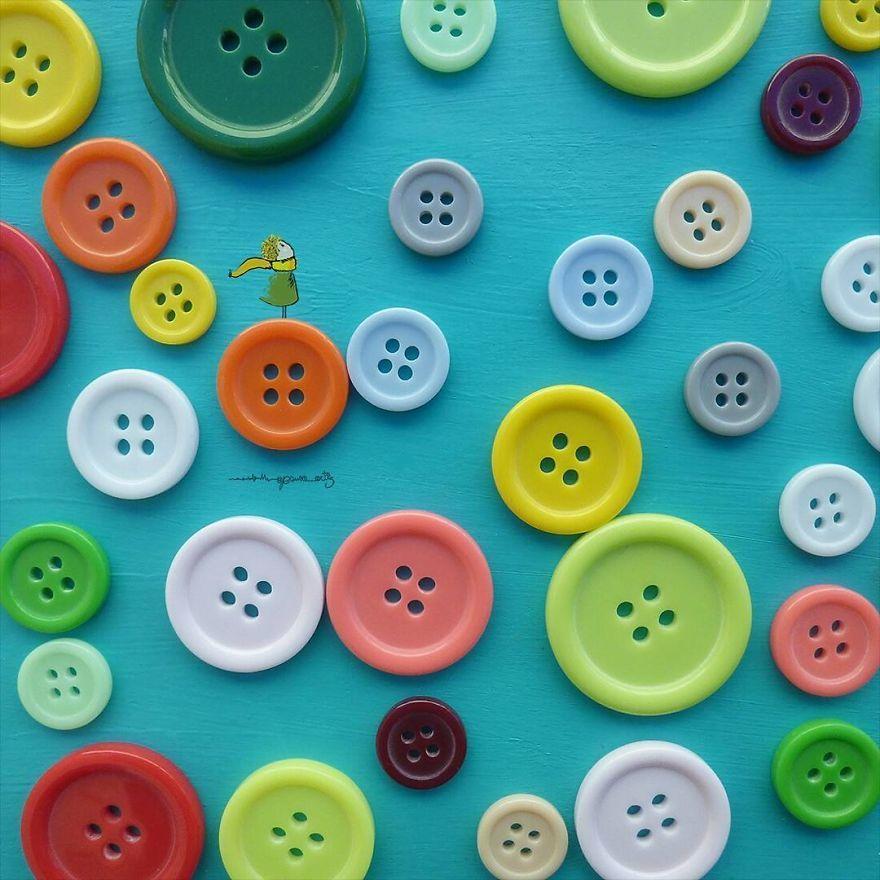 O espanhol Jesuso Ortiz cria arte minimalistas usando flores e objetos do dia a dia - Foto: Jesuso Ortiz