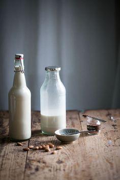hur gör man egen mandelmjölk