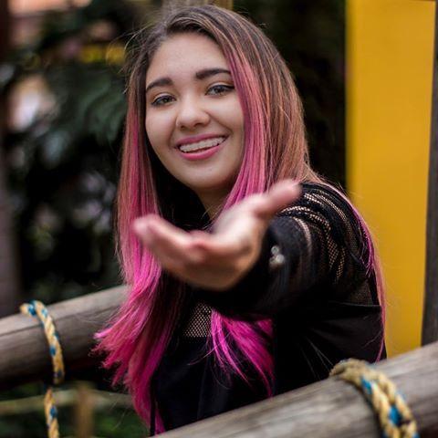 Amara Que Linda Amara Aa Instagram Photos And Videos Amara Que Linda Color De Cabello Fotos De Unicornios