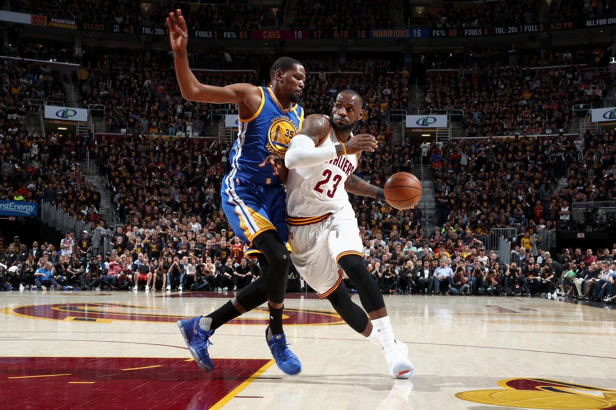 Warriors Stun Cavaliers in Game 3 take commanding 3-0 lead in NBA Finals-  Warriors stormed back in the final minutes to beat Cavaliers 118-113 in Game 3 on June 7.  #KevinDurant combined and #KlayThompson paced the Warriors with 31 and 30 points, while #StephenCurry added 26 points. Warriors remain undefeated in postseason play and now possess the longest postseason winning streak in the history of the four major American sports.