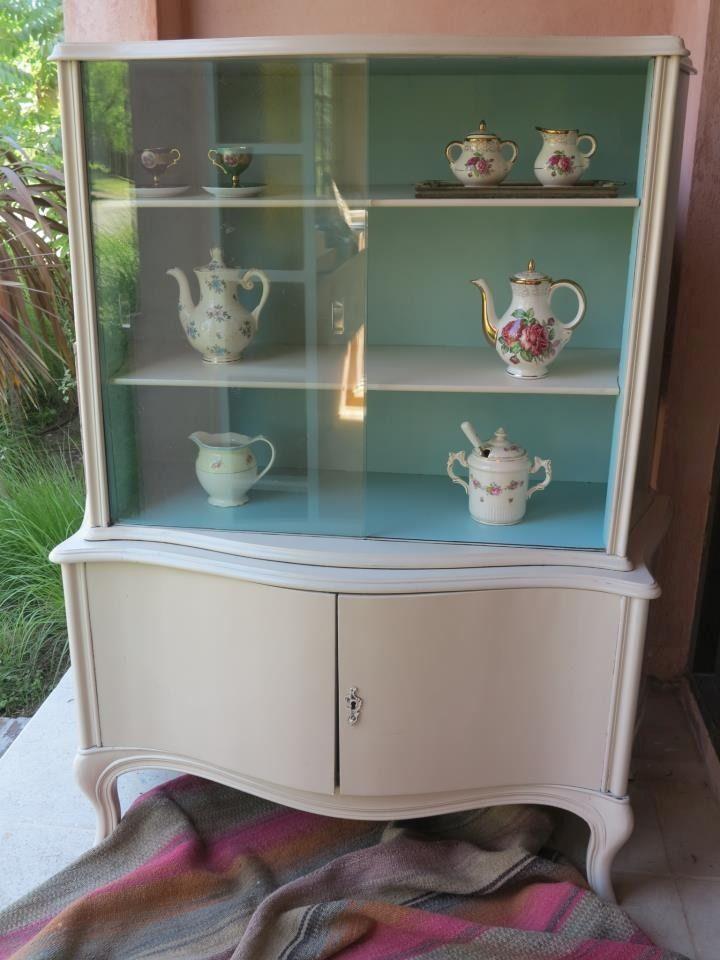 Aparador cristalero vajillero de estilo antiguo es for Muebles antiguos reciclados
