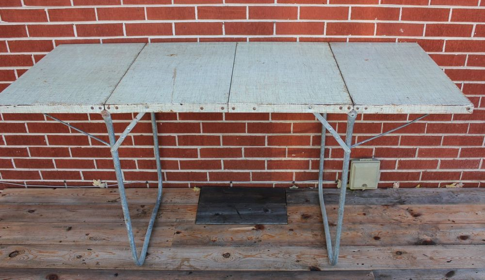 Vintage Metal Folding Picnic Table 60 X 24 Folds In Three Carry Handle Folding Picnic Table Metal Folding Table Vintage Metal
