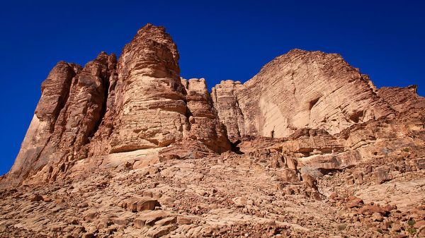 Jigsaw Puzzle-Lawrence Springs peak in Wadi Rum on clear blue sky winter day-500 Piece Jigsaw Puzzle made to order