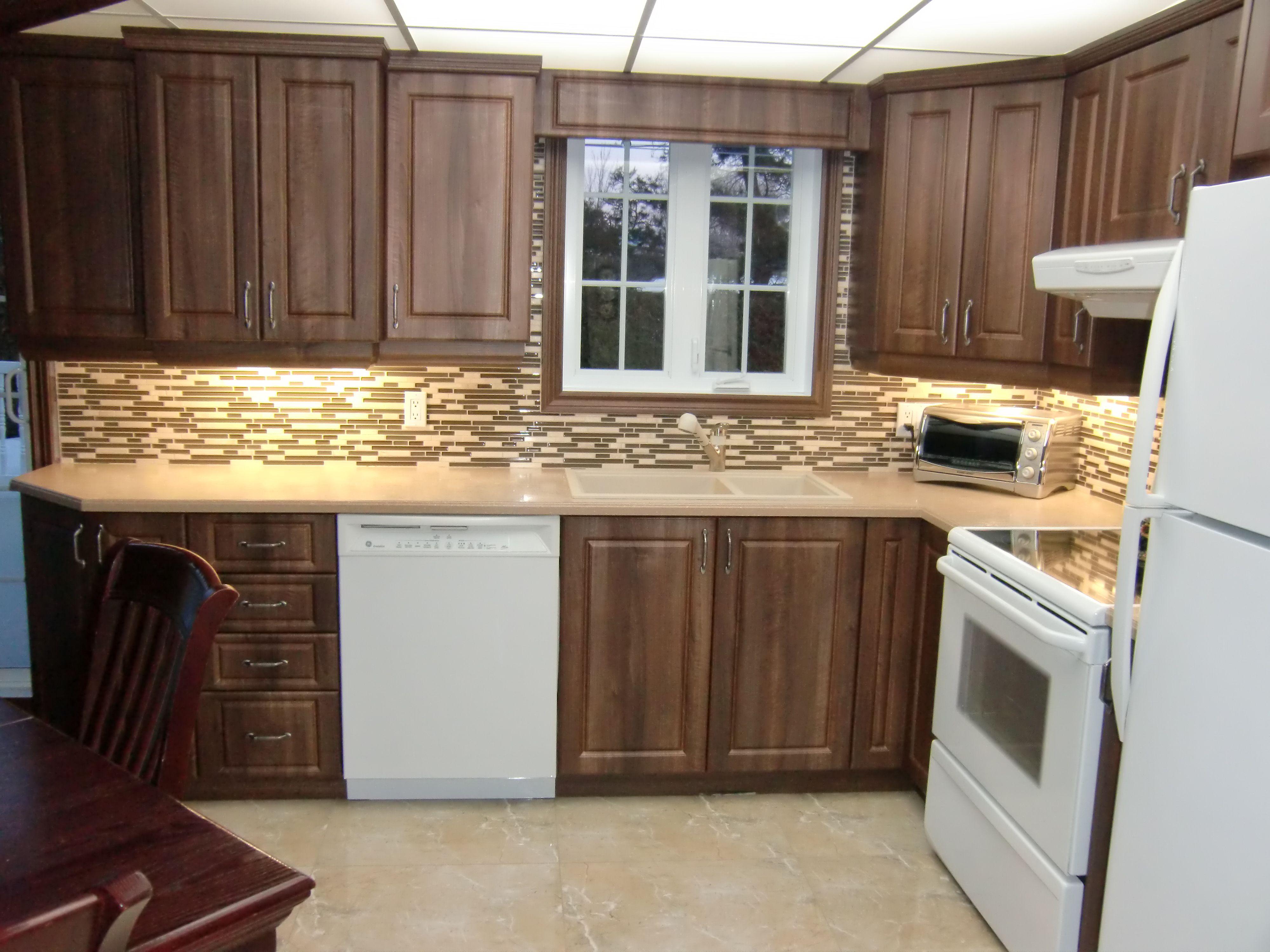 Armoire de cuisine classique en thermoplastique armoire classique 2 mod le 2 pinterest - Teindre armoire de cuisine ...