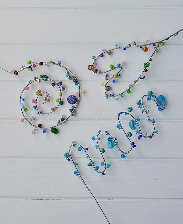 Blumenstecker aus Draht und Perlen selber machen - Smillas Wohngefühl