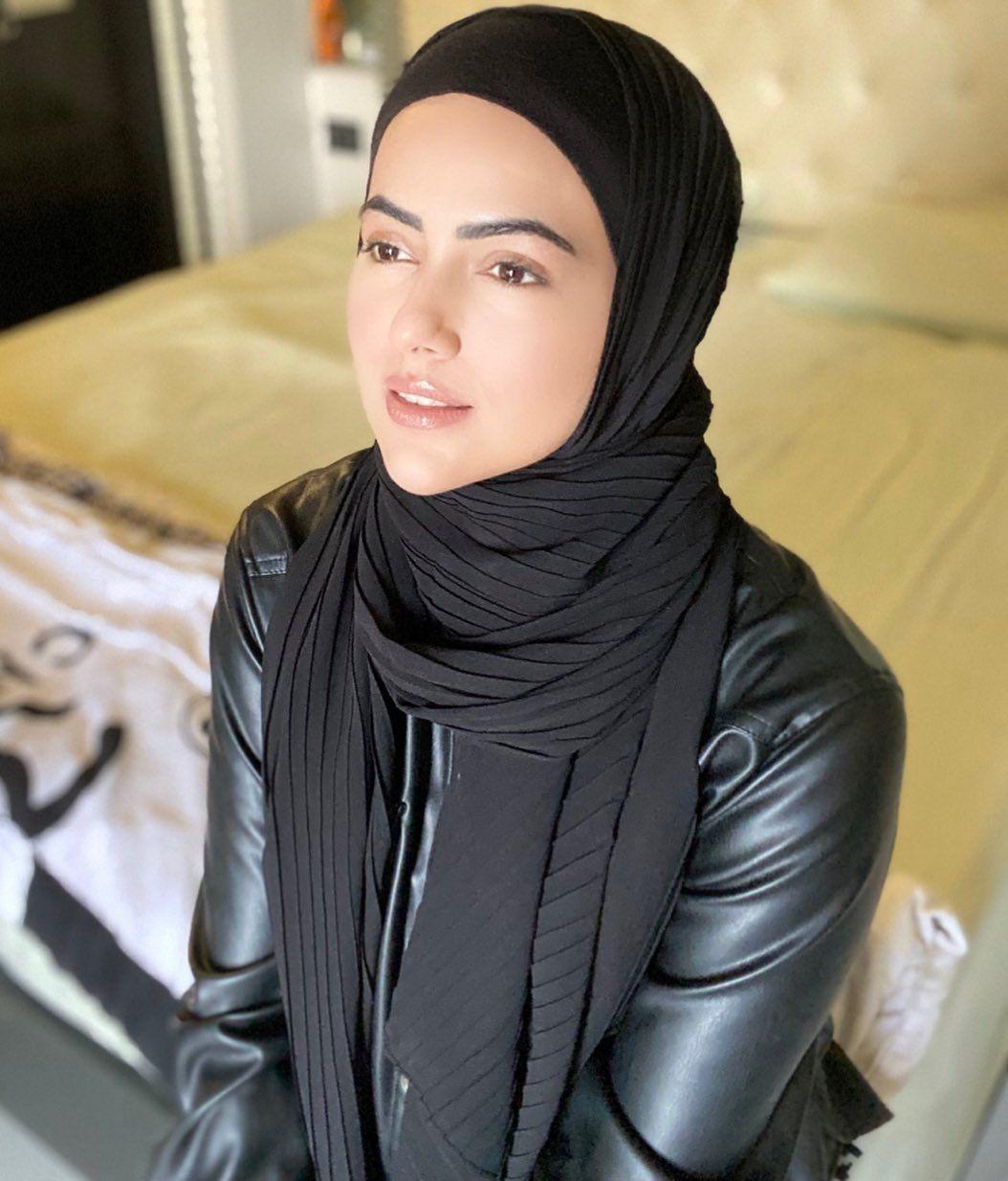 Sana Khan quit film industry, bollywood and showbiz