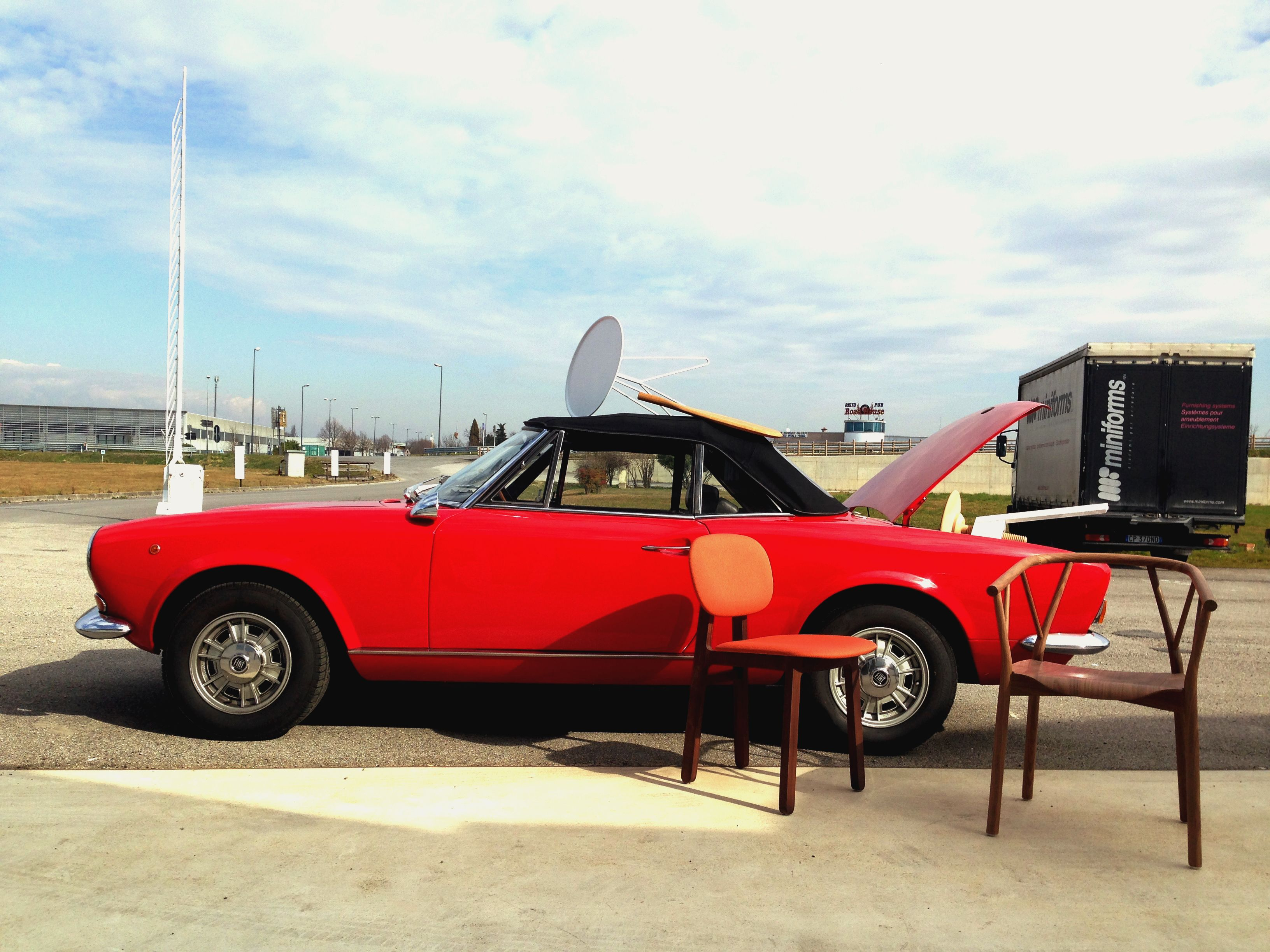 vintage style today! love this day. #miniforms #interiordesign #design #homedecor #car #sun #outside