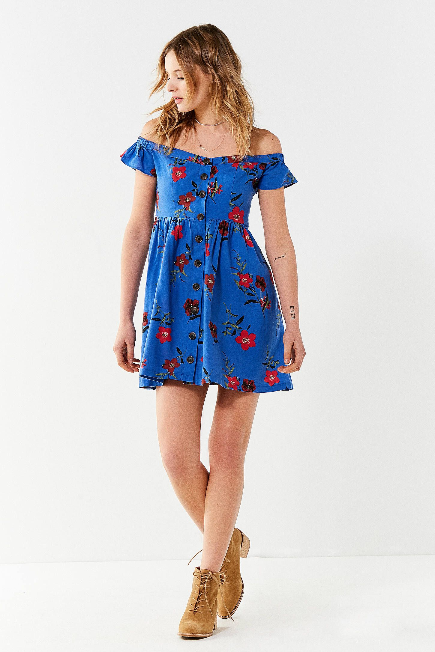 f86dffcb2012 UO Amelie Off-The-Shoulder Button-Down Dress