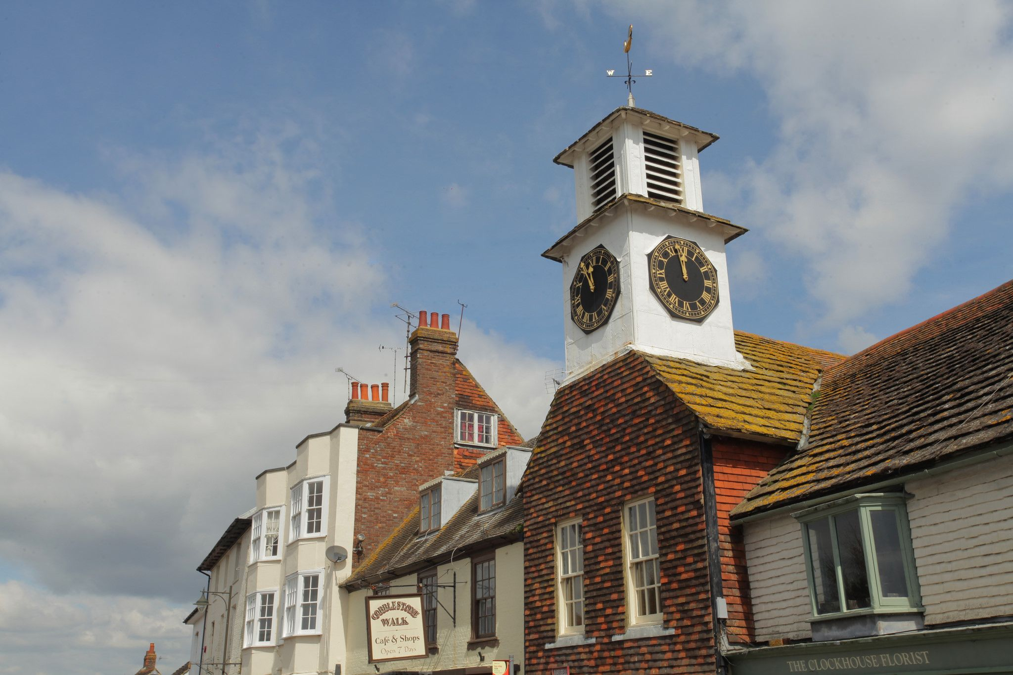 https://flic.kr/p/GUkST4 | Steyning Village Sussex | www.adamswaine.co.uk Steyning (/stɛnɪŋ/) is a small rural town and civil parish in the Horsham District of West Sussex, England. It is located at the north end of the River Adur gap in the South Downs, four miles (6.4 km) north of Shoreham-by-Sea. The smaller villages of Bramber and Upper Beeding constitute, with Steyning, a built-up area at this crossing-point of the river