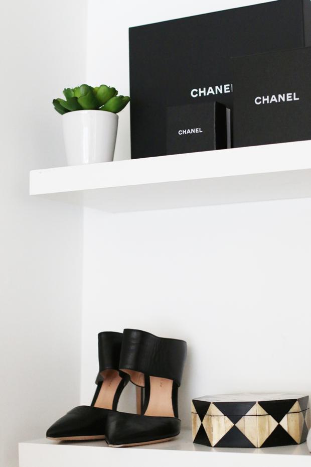 5 Tips On Dressing Up Shelves