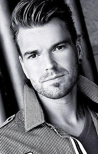Carsten Blonde Haare Braune Augen Greens Modelagentur Most