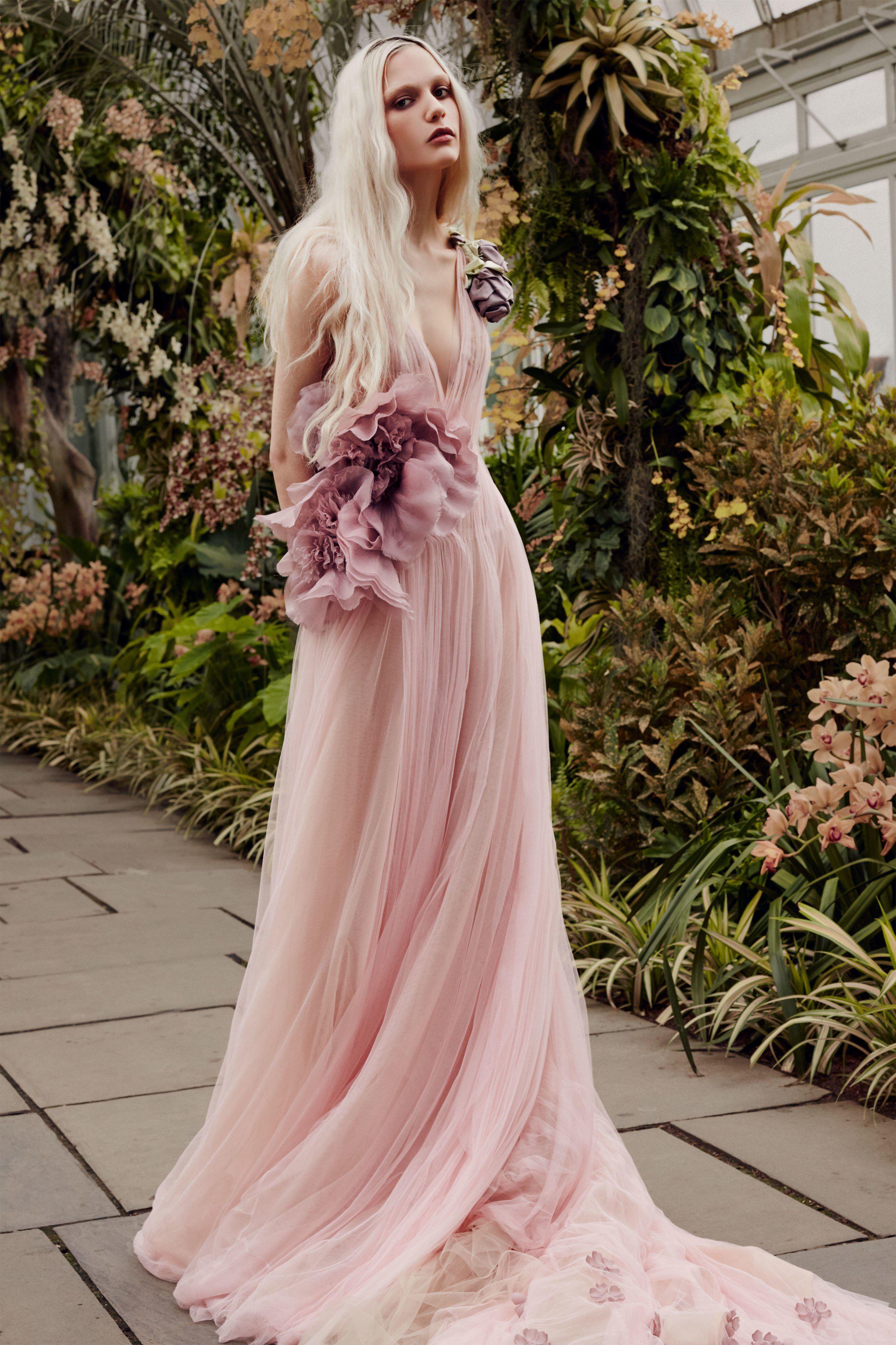 Vera Wang Bridal Spring 2020 Fashion Show Collection See