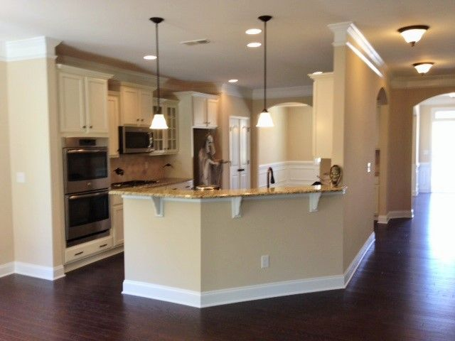 Kitchen With Angled Bar Dr Horton Skybrook North