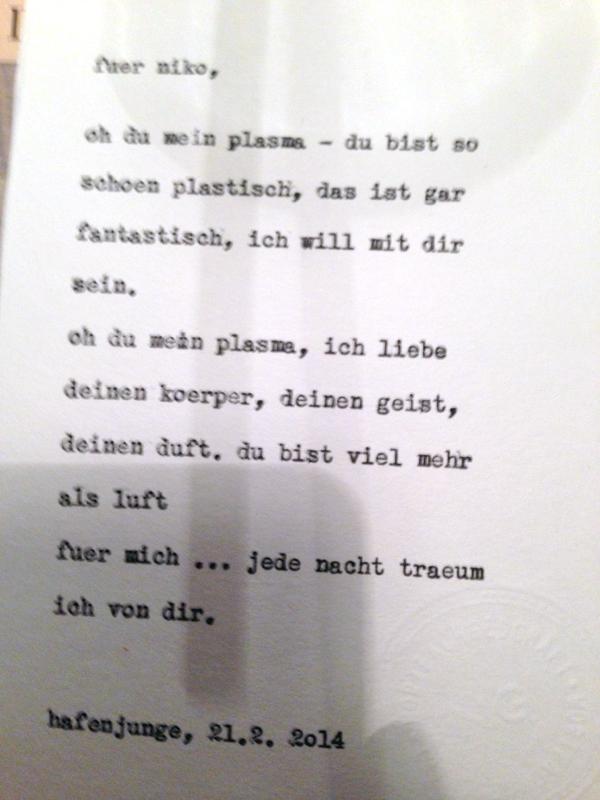 """Nikos Inspirationswort: Plasma. Diese Karte entstand im Hafenjungen in Wien unter dem Motto """"Happy Typing für Drinks"""". Fotos daher teilweise etwas unscharf … :-)"""