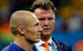 Bola Tangkas AsiaKehebatan Louis van Gaal dalam tangani suatu tim sudah tidak perlu diragukan lagi, hal ini diakui Arjen Robben dan dia yakin eks bosnya itu akan sukses di MU. Bola Tangkas Asia – Bandarbola.org