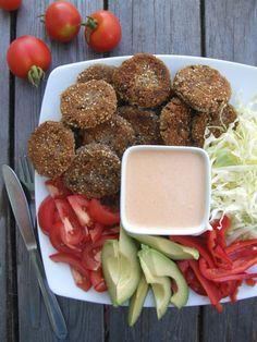 Vegaanihaaste - Härkäpapunugetit ja tulinen jogurttikastike