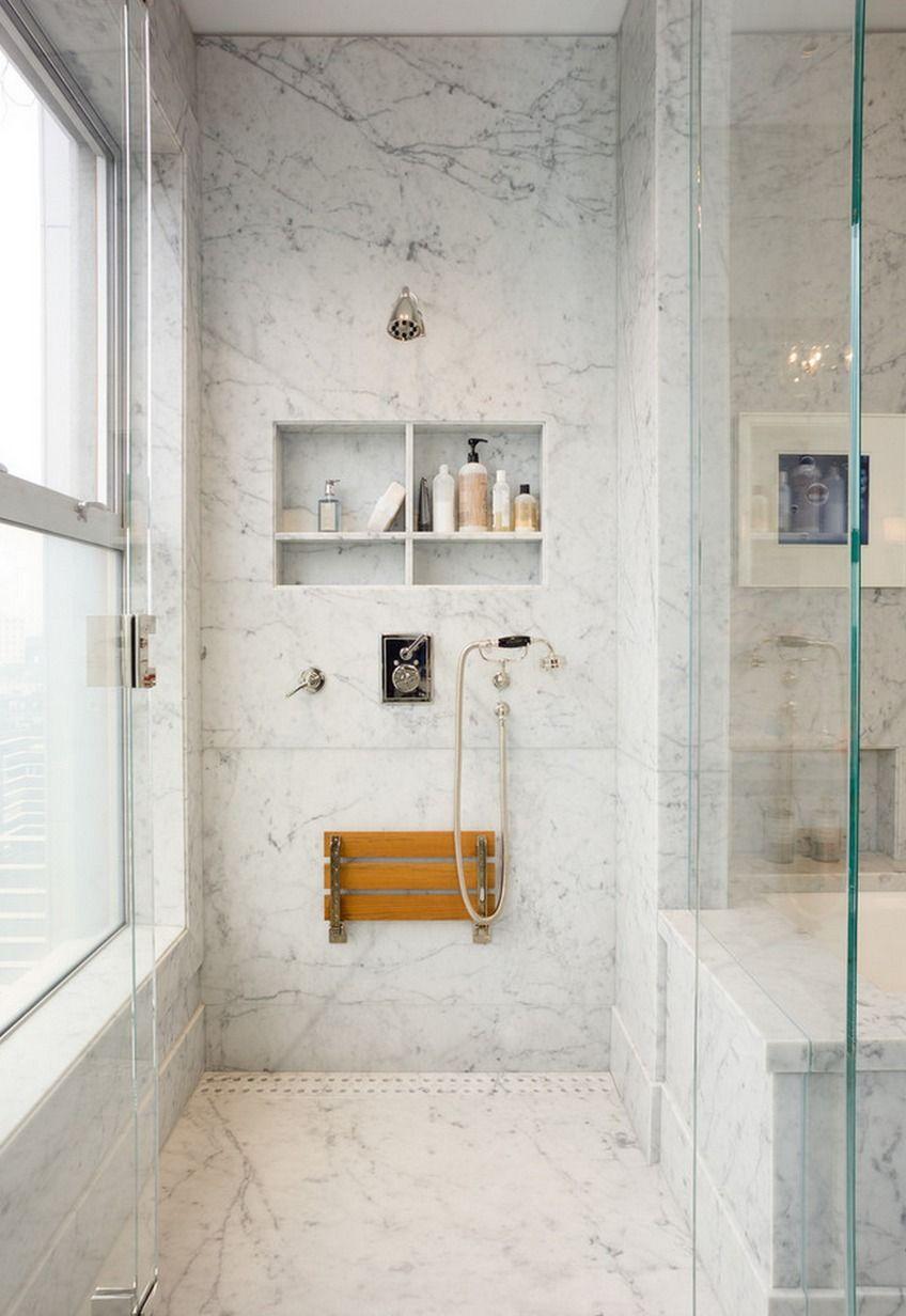 niche tag re dans le mur de la douche en marbre blanc de. Black Bedroom Furniture Sets. Home Design Ideas