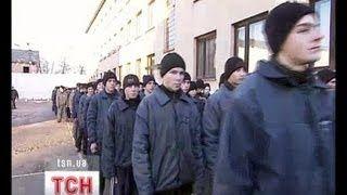 Смотреть онлайн видео Почему тюрьма не делает правонарушителей лучше