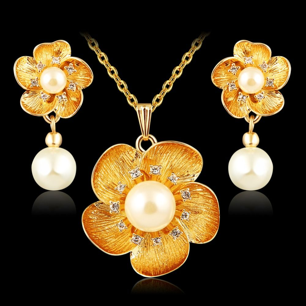 Aruel trendy jewelry sets women party gold color crystal necklace