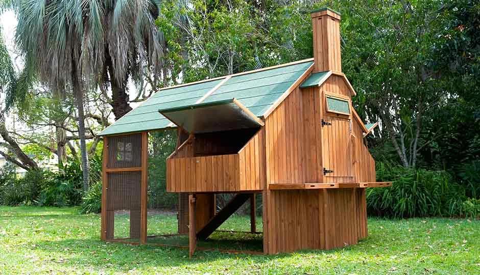 The Mansion™ Coop $1849 in 2020 | Walk in chicken coop ...