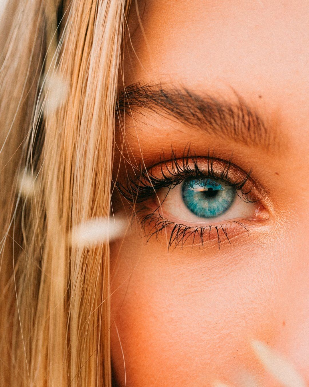 Rare Positive Images Ethc Peple Asians With Rare Genetics From Left To Right Blue Eyes Red Hai Blue Eye Color People With Blue Eyes Black And Blonde