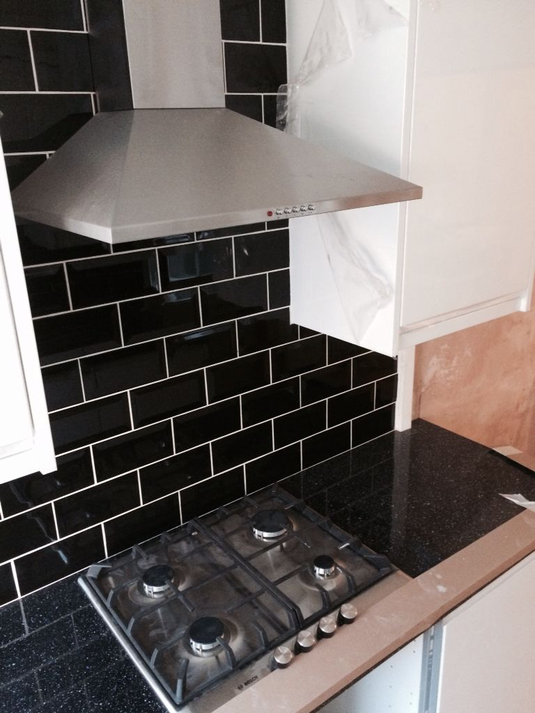 Kitchen Tiles Lincoln b&q install in lincoln. looks fab with black tiled splashbacks