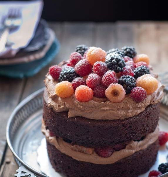 Yummy Mascarpone Chocolate Cake Berries Recipe Recipes cake