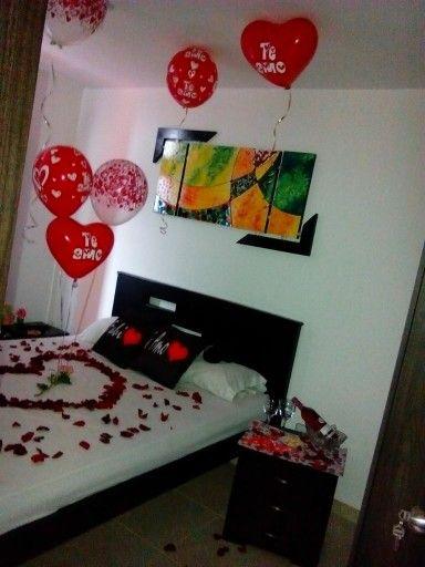 Noche romantica globos helio rosas petalos delicioso - Noche romantica en casa ideas ...