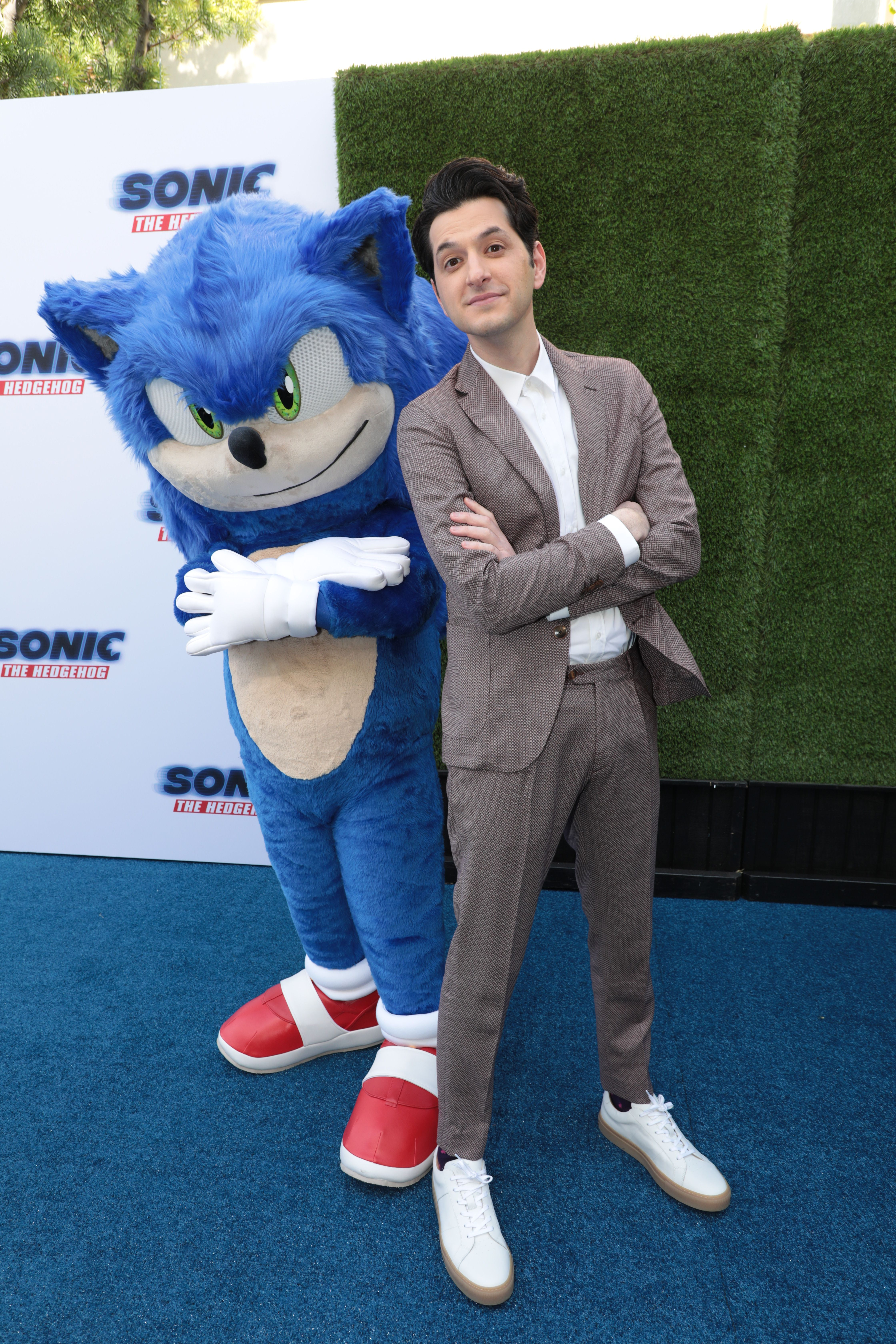 Our Incredible Cast And Filmmakers Took Over The Blue Carpet At Our Sonicmovie Family Day Don T Miss Them In Theatr In 2020 Sonic Sonic The Hedgehog Sonic And Shadow