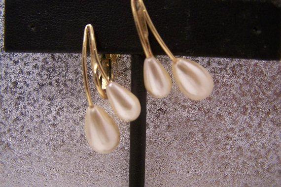 Vintage Earrings Napier Pearl Clipons N3657 by JewelsAndMyGirls3, $8.00