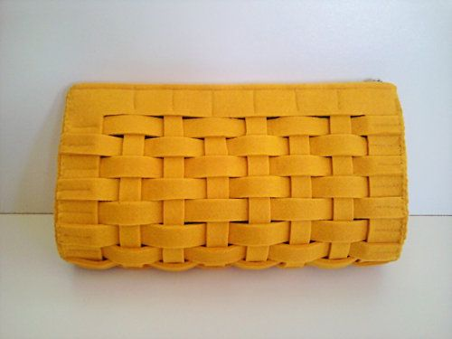 felt clutch  (Actually, I bet this would be cute in fabric also. gmd)