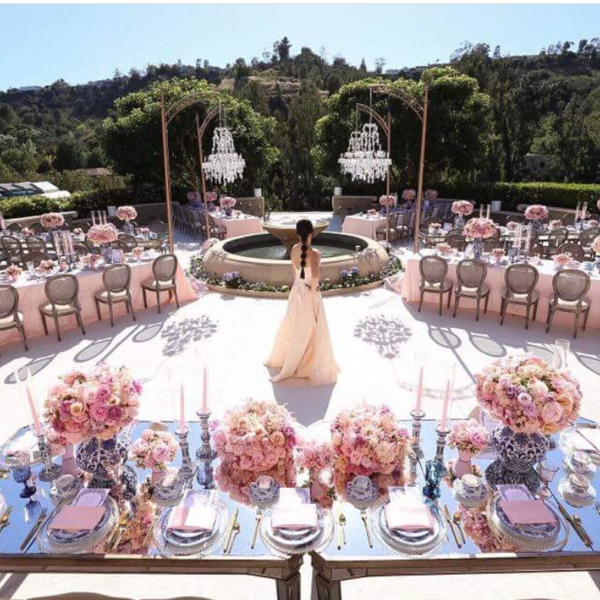Now thats what you call a fairytale wedding wedding decor now thats what you call a fairytale wedding junglespirit Image collections