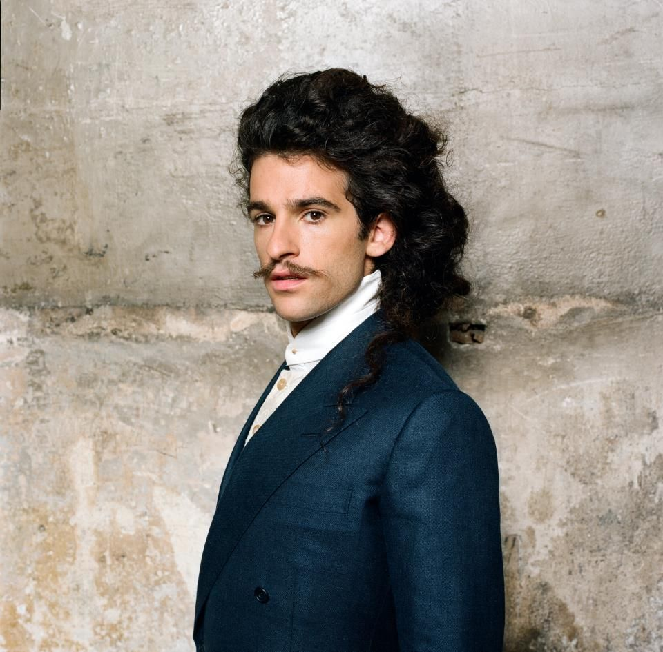 King Charles with a weight of 83 kg and a feet size of N/A in favorite outfit & clothing style
