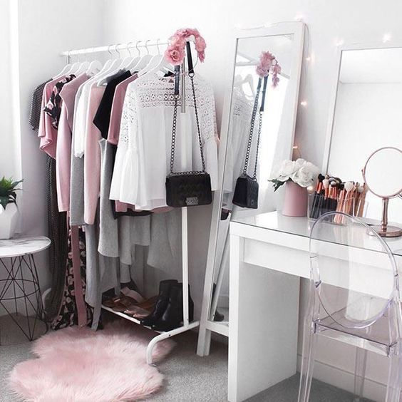 Photo of Ankleidezimmer – Dekologie – Inneneinrichtung  Decor #cake – home decorasyon