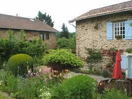 A little bit of heaven: gorgious house with gîte, mature gardens and pool