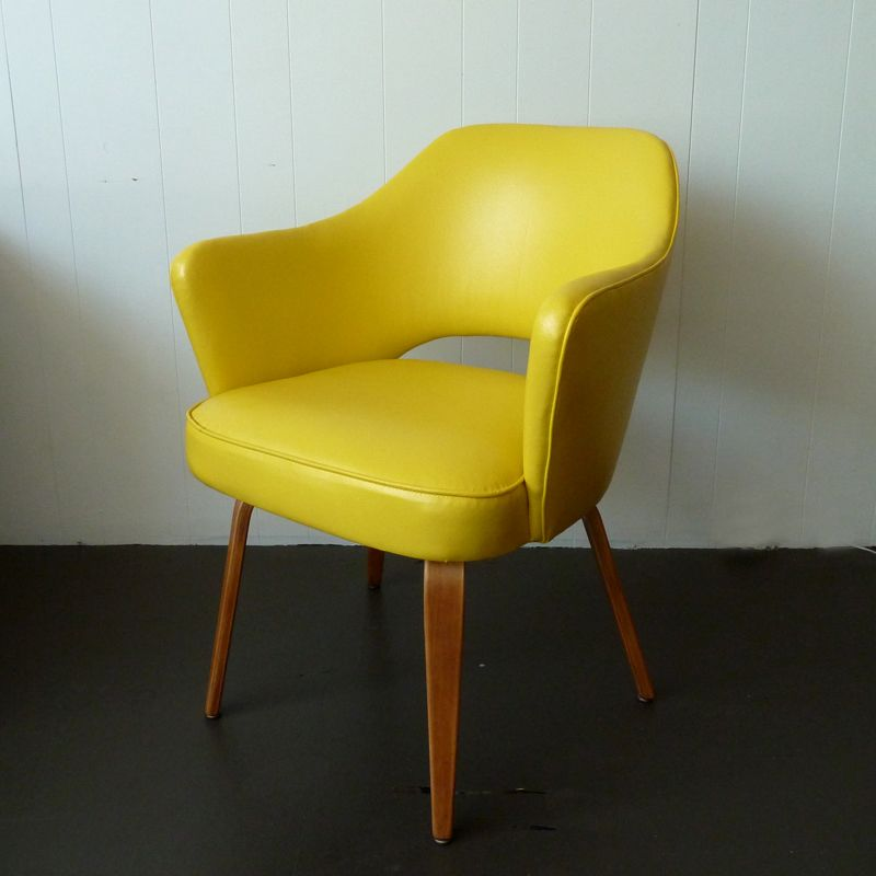 i really love this chair/i think it should be mine.
