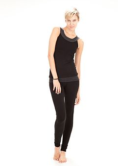 Cute Workout Clothes to Solve Your Fitness Fashion Woes is part of Workout Clothes Ideas - From pants that won't stay up to tank tops that refuse to stay down, we asked Glamour's biggest fitness junkies for their most annoying fashionmeetsfitness gripes