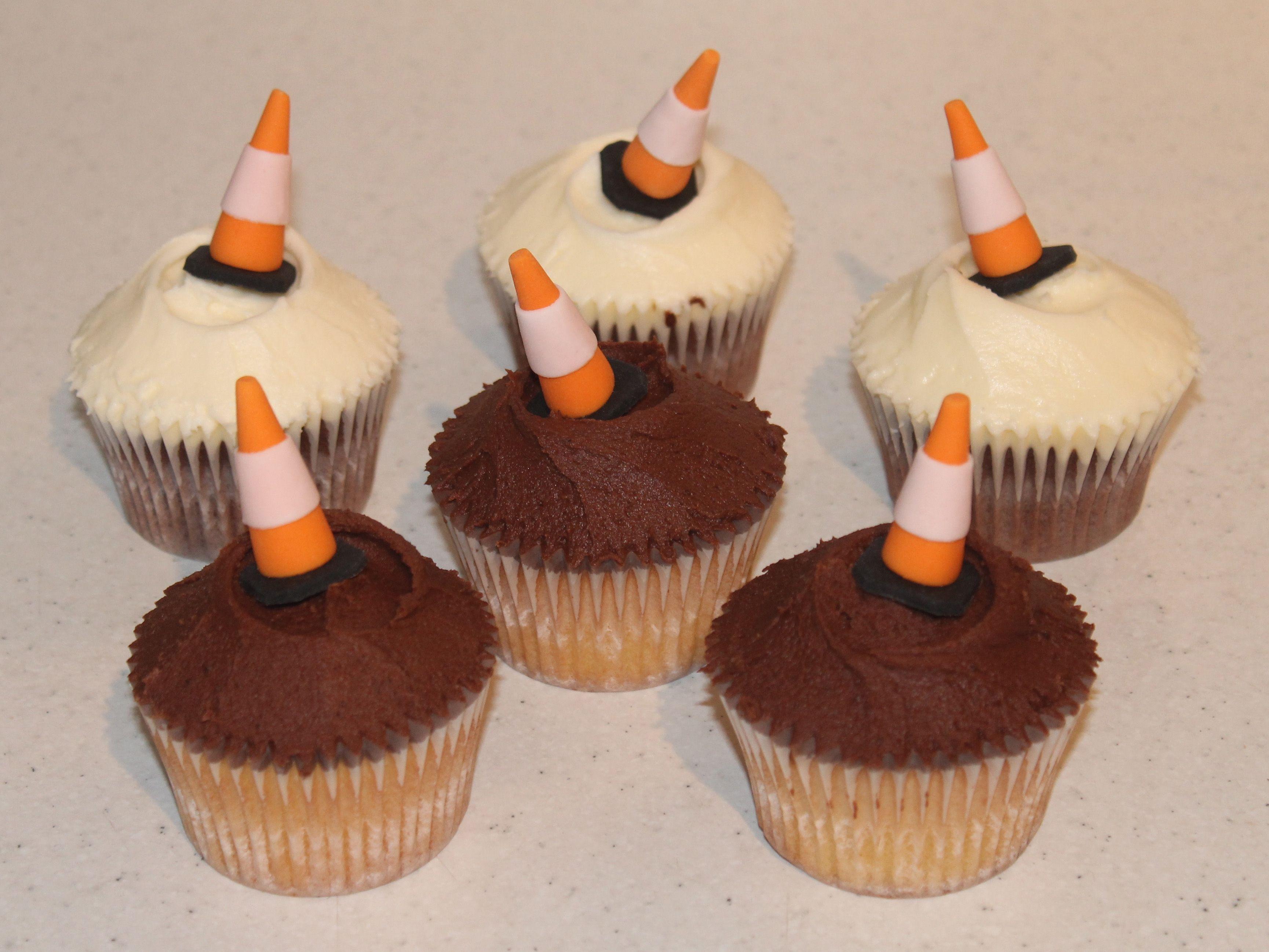 Traffic Cone Cupcakes With Images Cupcake Cones Cupcake Cakes