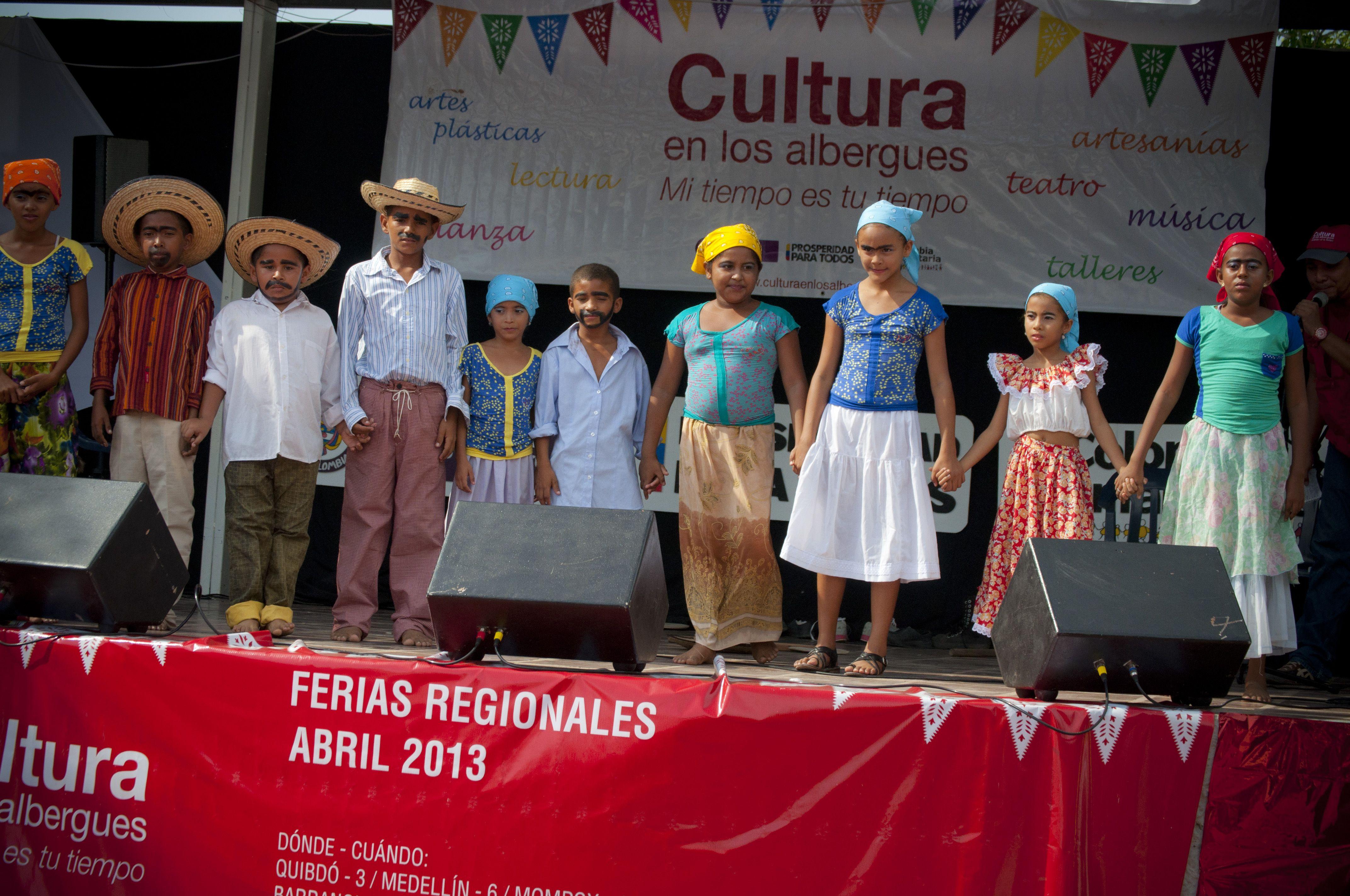Los niños en el escenario