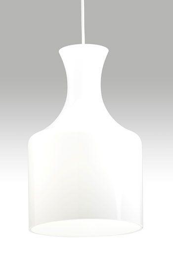 Tromba on Lisa Johansson-Papen suunnittelema kiiltäväpintainen opaalilasivalaisin. Suupuhallettu kupu suodattaa valon kauniisti. Valonlähde E27 maks. 30 W energiansäästölamppu.Kuvun korkeus: 32 cmKuvun halkaisija: 20 cm