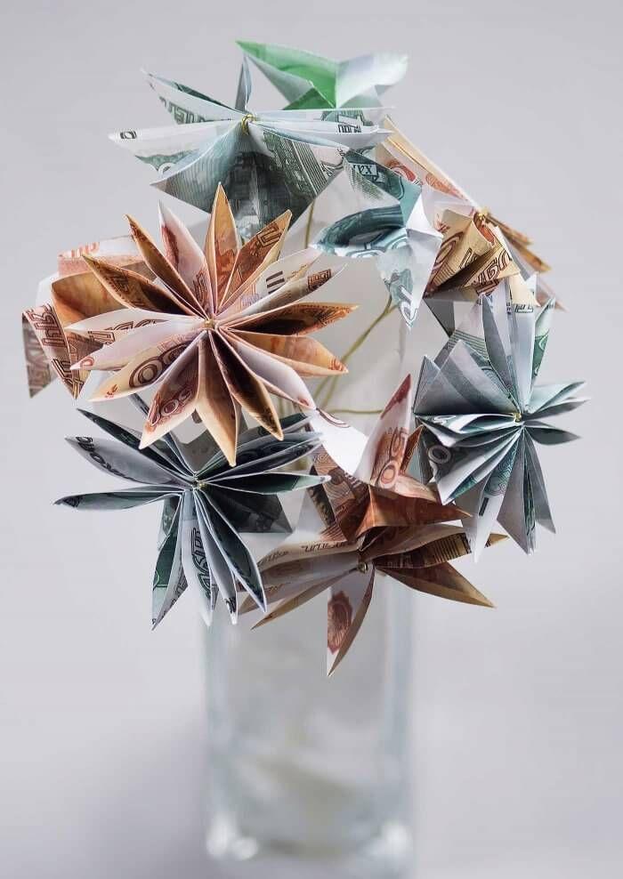Ganz einfach: wunderschöne Geldblumen falten mit denen ihr