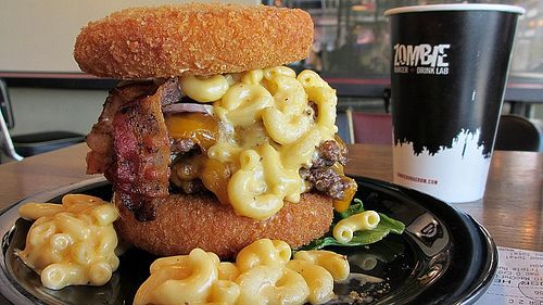 Zombie Burger I Really Want To Take A Road Trip For One Of These Mac Cheese Bun Yum Zombie Burger Food Mac And Cheese Burger Fried Mac And Cheese