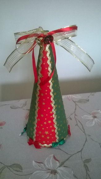 Mini Arvore De Natal Decorada Com Sianinha Dourada Tecido