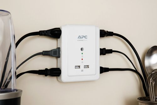 APC Essential SurgeArrest 6 Outlet Wall Mount With USB, 120V - APC ...