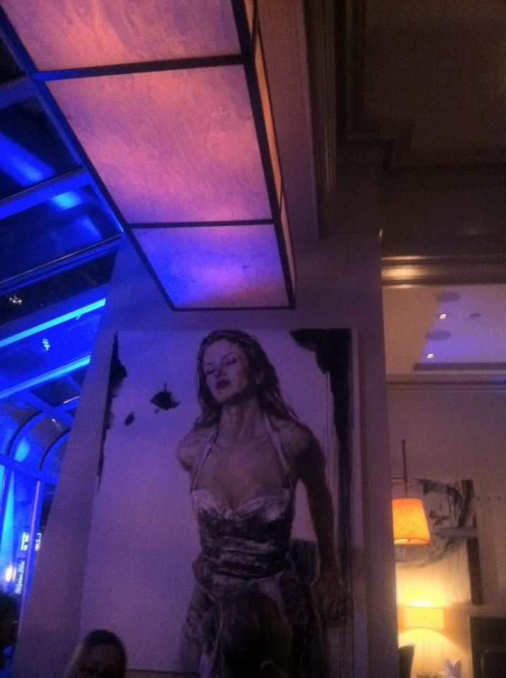 Ah the Avenue Bar at the Four Seasons. What was it about that blue light?
