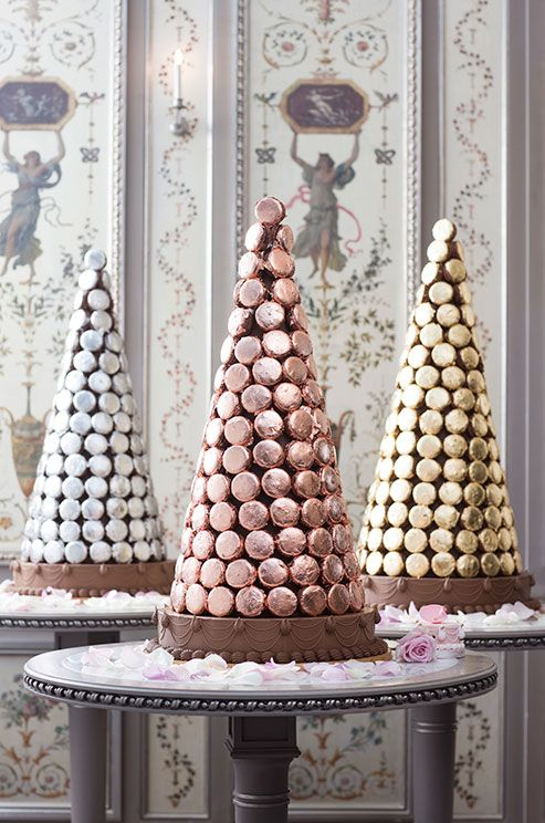 Among Ladurées' luxury pyramids are macarons covered in gold and white gold leaf. Chic, non?