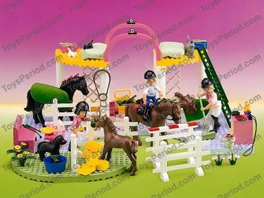 LEGO 5855 Riding Stables (1997)